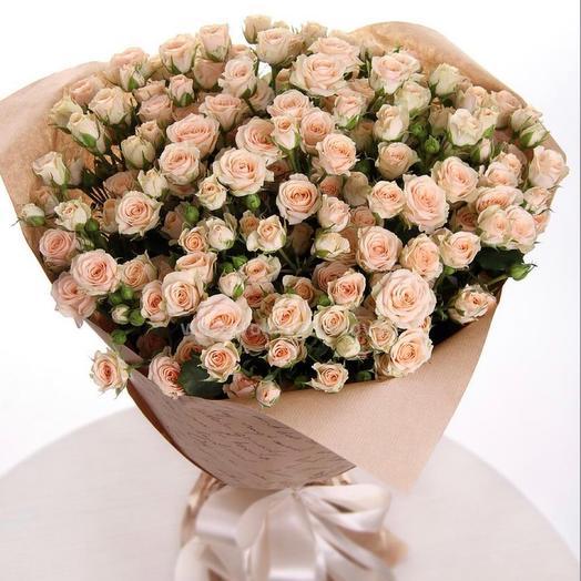 Кустовые нежные розы