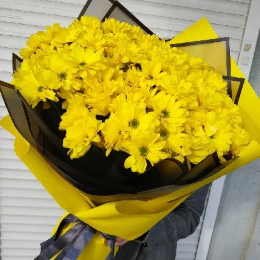 BOUQUET OF 101 YELLOW DAISIES IN A DESIGNER DESIGN
