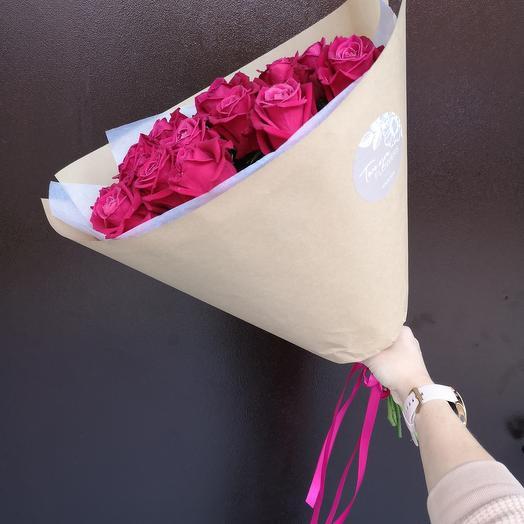 Кулек свежих роз