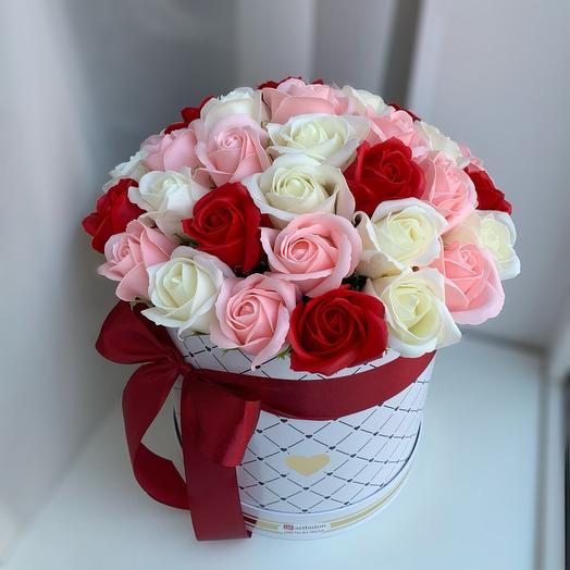 Розы из мыла в коробочке