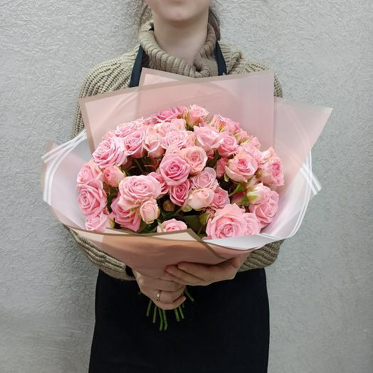 Нежные кустовые розы 15 шт