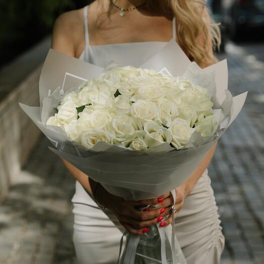 Букет из белых роз 95