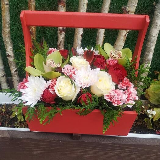 Ящик с цветами 1