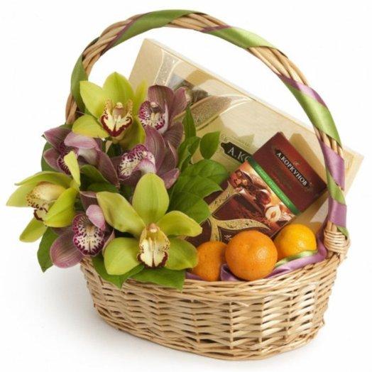 Корзина Лучший подарок: букеты цветов на заказ Flowwow