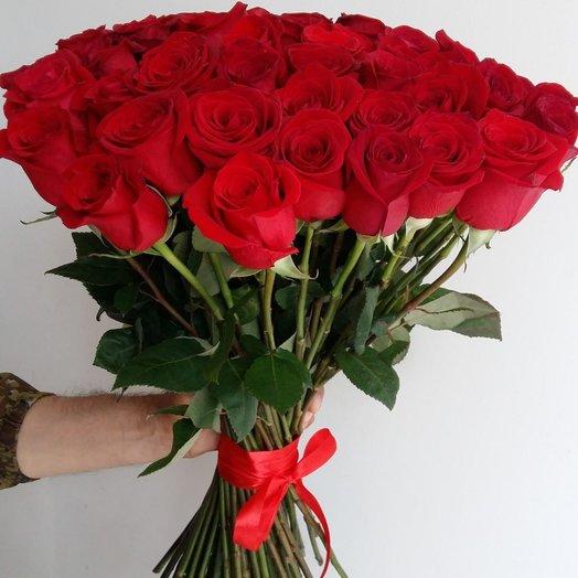 71 Красная роза: букеты цветов на заказ Flowwow