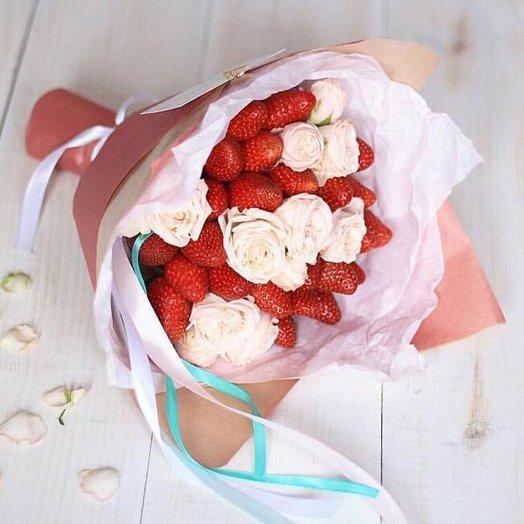Фруктовый букет Клубничный Шейк: букеты цветов на заказ Flowwow