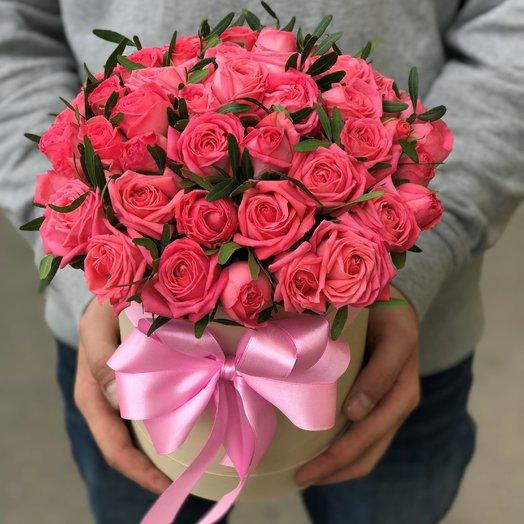 Коробки с цветами. Кустовые розы Барбадос. 15 шт .N32: букеты цветов на заказ Flowwow