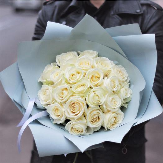 Букет из 21 белой розы 60см