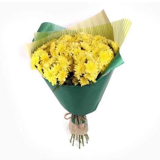 Букет желтых хризантем Солнечный вояж: букеты цветов на заказ Flowwow