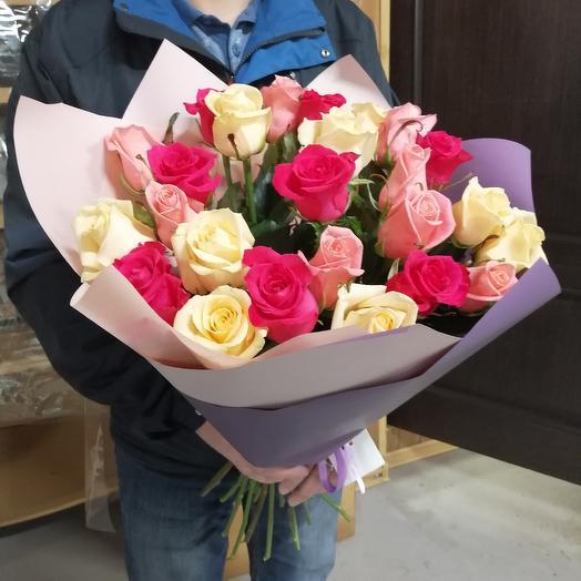 25 роз микс в матовой плёнке: букеты цветов на заказ Flowwow