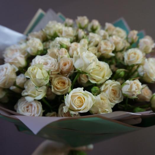 Нежность кустовых роз