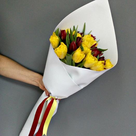 Красно-желтый микс голландских тюльпанов