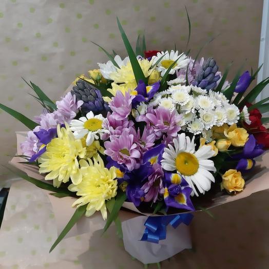 Букет из Ромашек,хризантемы кустовой,ирисы: букеты цветов на заказ Flowwow