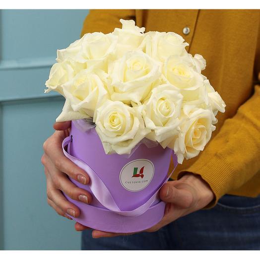 Букет в шляпной коробке из 15 белых premium роз 40 см (Эквадор)