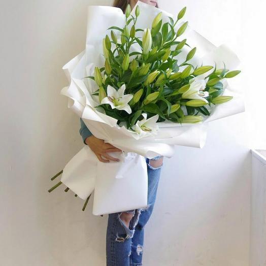 9 лилий: букеты цветов на заказ Flowwow