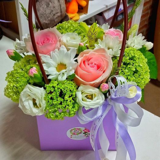 Композиция в сумочке,цветы микс