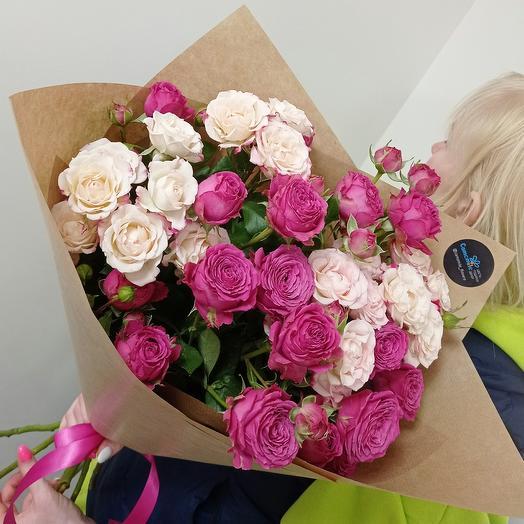 Большой микс кустовых пионовидных роз