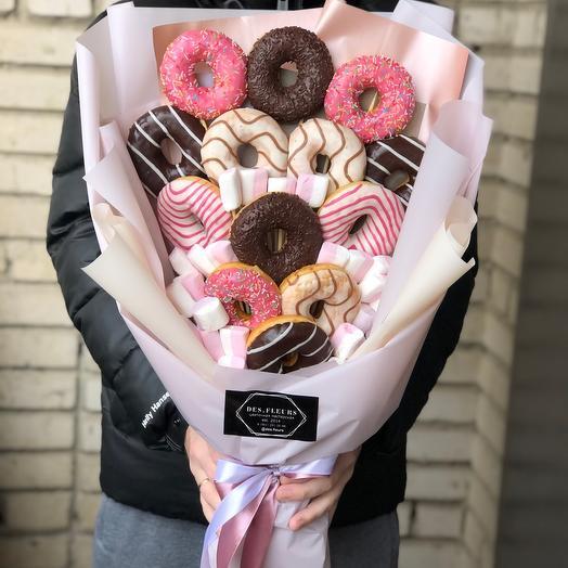 Съедобный букет из пончиков