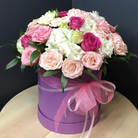 Шляпная коробка розово-белая