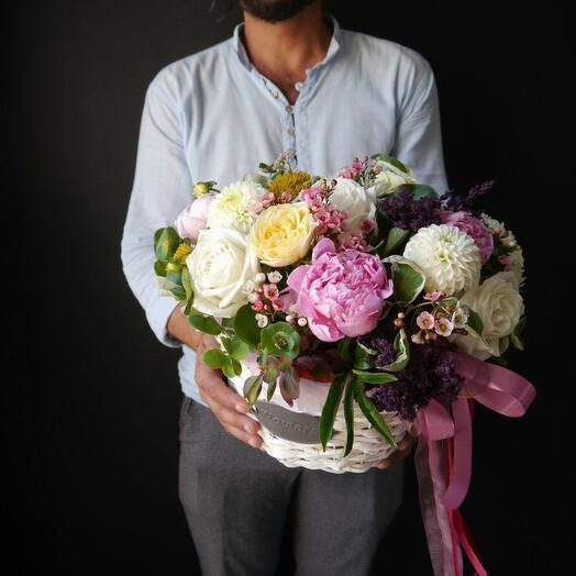 Сочная корзина с цветами