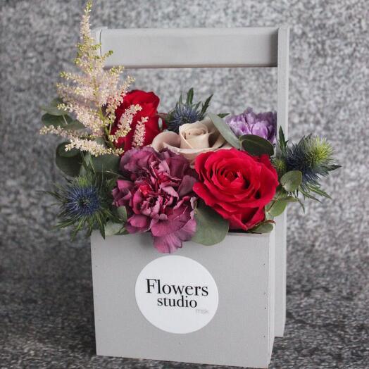 Ящик с цветами серый