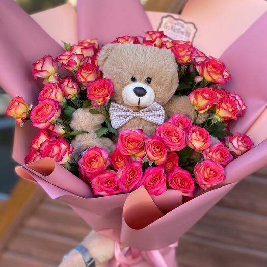 Детский букет из роз с игрушкой