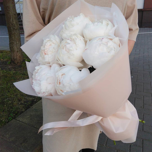 Нежные пионы: букеты цветов на заказ Flowwow