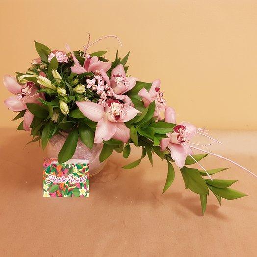 Цимбидиум с альстромерией: букеты цветов на заказ Flowwow