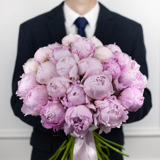 Букет из 29 французских пионов Sarah Bernhardt: букеты цветов на заказ Flowwow