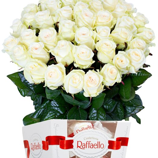 """Набор """"45 белых роз и Рафаэлло 150 гр"""