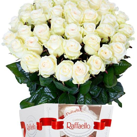 "Set "" 45 white roses and Raffaello 150 gr"