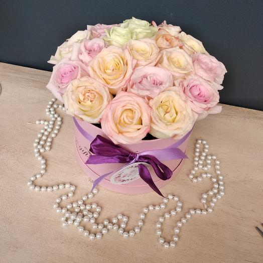 Розовый микс в коробке: букеты цветов на заказ Flowwow