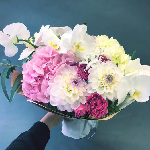 Авторский букет Бьорк: букеты цветов на заказ Flowwow