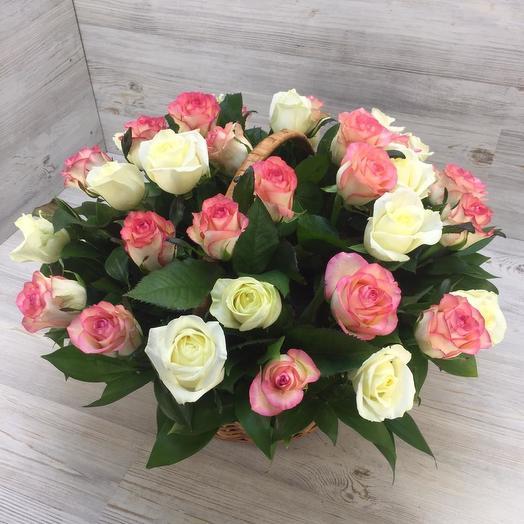 Корзина из 35 роз: букеты цветов на заказ Flowwow