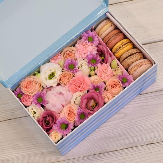Розовая коробка: букеты цветов на заказ Flowwow