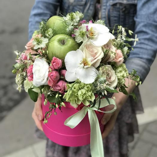 Удивительная коробочка для Вашей королевы: букеты цветов на заказ Flowwow