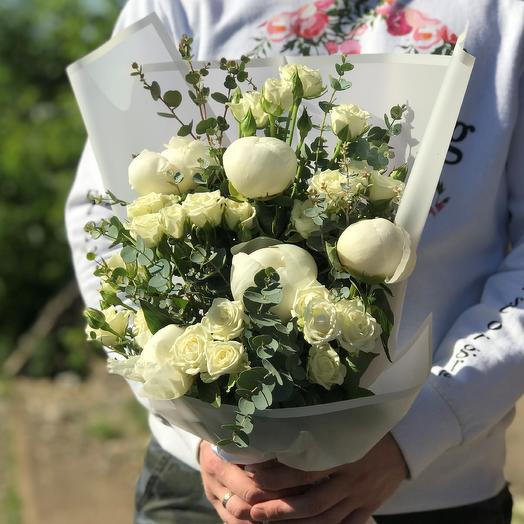 Кустовые розы с пионами. N430: букеты цветов на заказ Flowwow