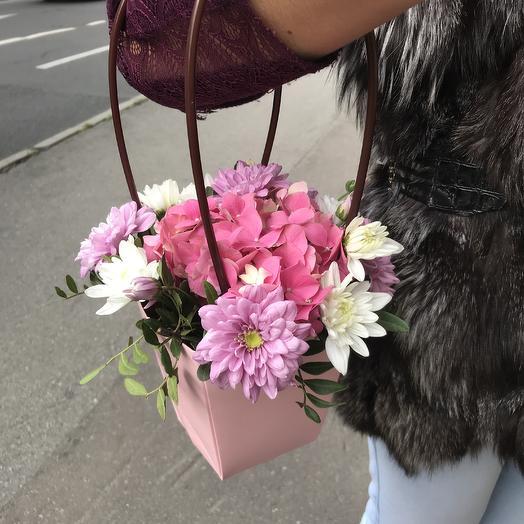 Розовая сумочка: букеты цветов на заказ Flowwow