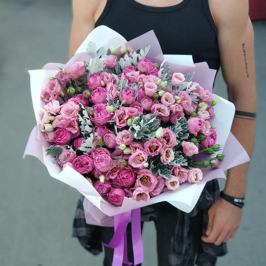 Букет из пионовидных роз и эустом: букеты цветов на заказ Flowwow