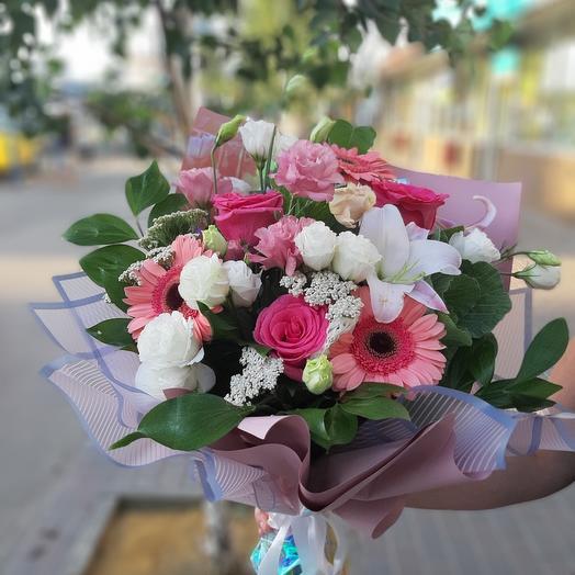 Милый букет с рускусом: букеты цветов на заказ Flowwow