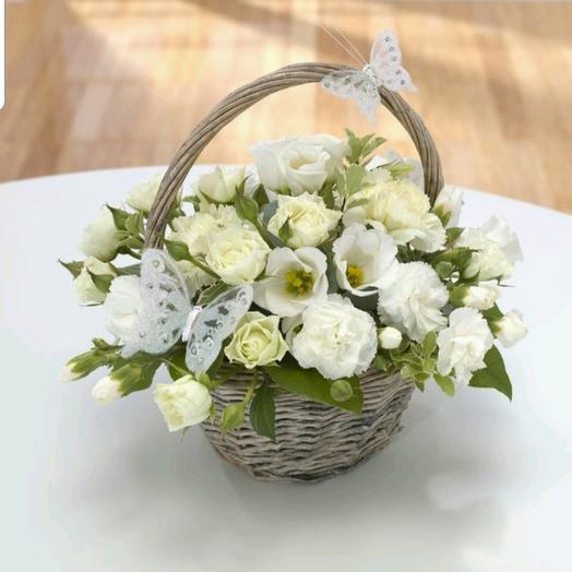 Корзинка для любимого учителя: букеты цветов на заказ Flowwow