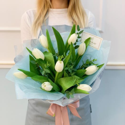 Букет из белоснежных тюльпанов: букеты цветов на заказ Flowwow