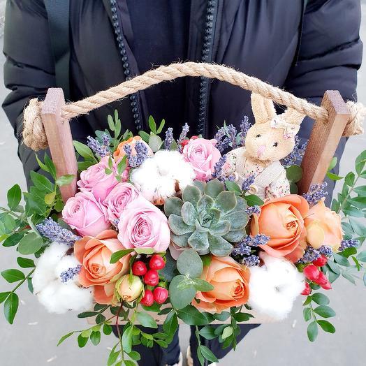 Нежный ящичек с цветами