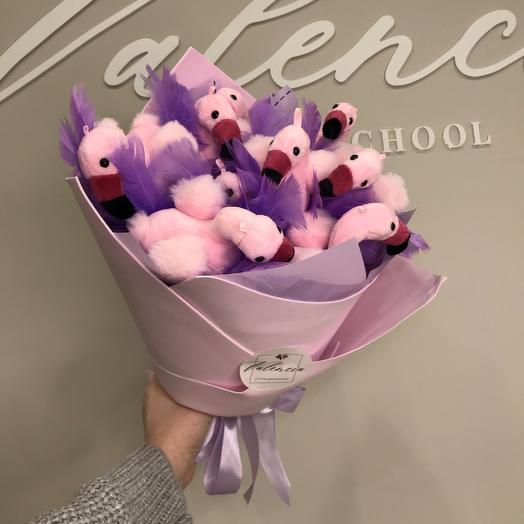 Розовый букет из фламинго