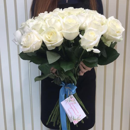 45 белых роз 50 см