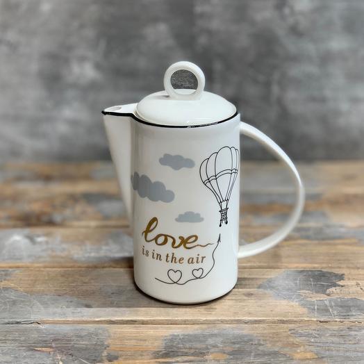 Декоративный керамический кувшин «love is in the air