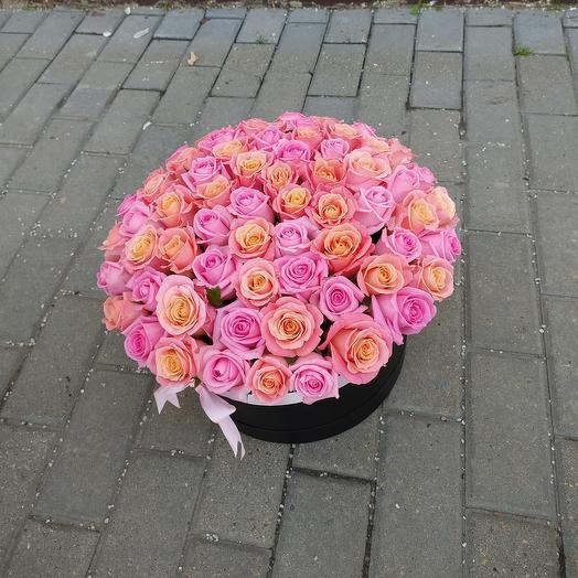 71 роза в черной коробке