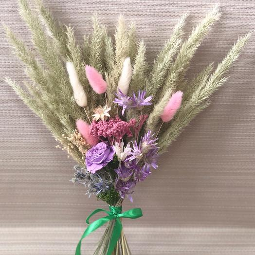 Букет сухоцветов с сиреневый розой