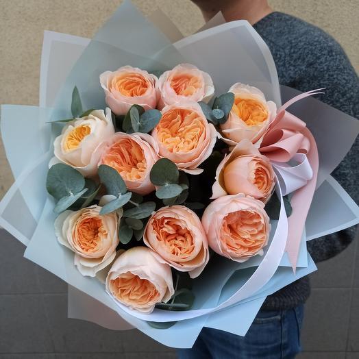 11 пионовидных роз Джульетта