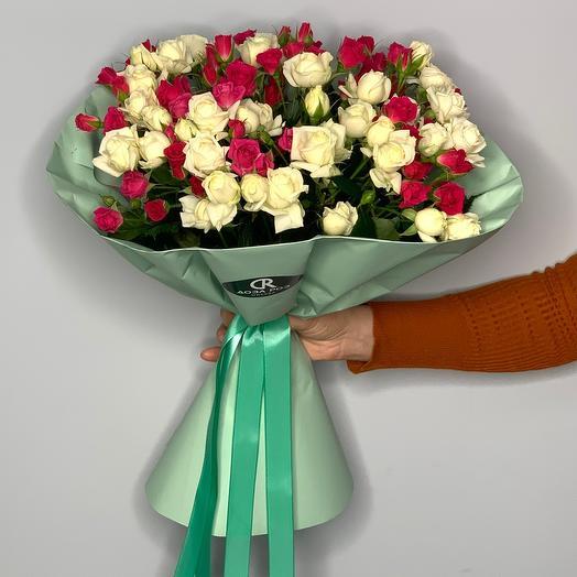 Букет из кустовых роз  9